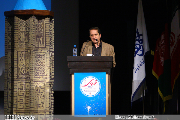 Photo of دکتر اسماعیل امینی در جشنواره «قند پارسی»: ذایقه مخاطبان رسانههای جدید، معیار ارزیابی اثر ادبی نیست