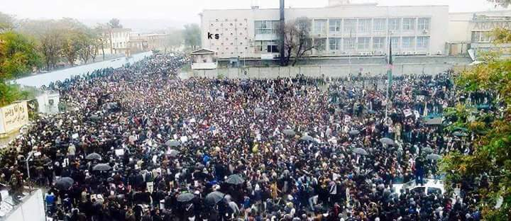 Photo of پیام خانه ادبیات افغانستان درباره حضور بینظیر و حماسی ملت افغانستان در دادخواهی و مبارزه با طالبان